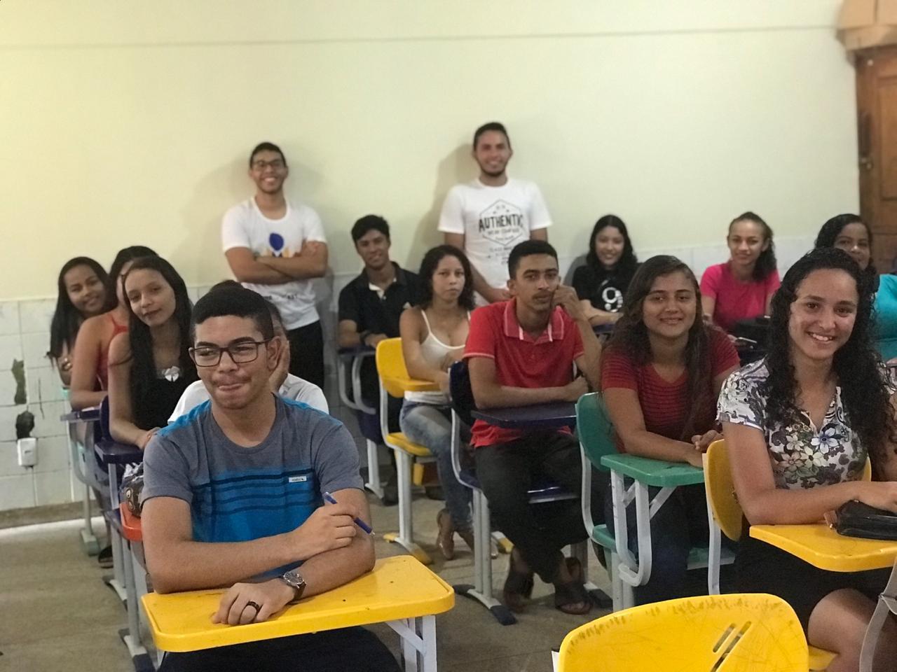 Sala lotada mostra a boa aceitação do cursinho Pré-Vestibular Solidário junto aos estudantes da rede pública de Augustinópolis