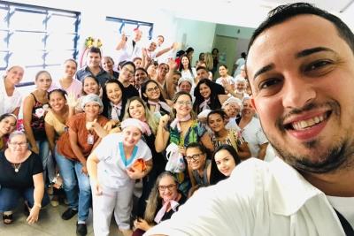 Acadêmicos de Enfermagem fazem ação pelo Dia das Mães em Hospital de Augustinópolis