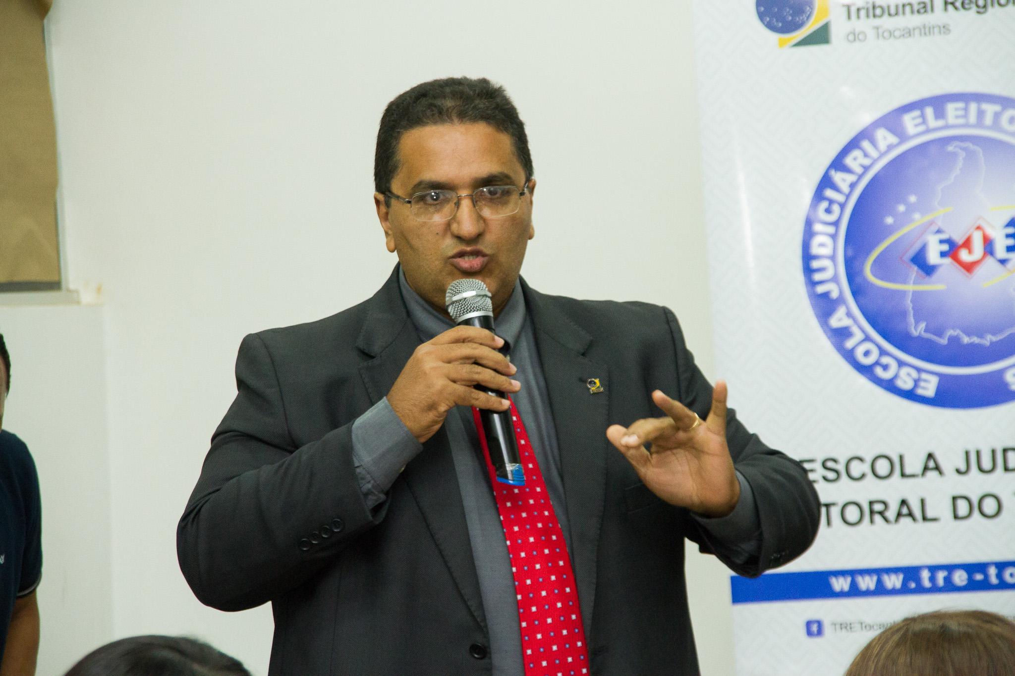 Diretor Geral do TRE José Machado dos Santos diz que brasileiro deve se orgulhar de ter o melhor sistema eleitoral do mundo