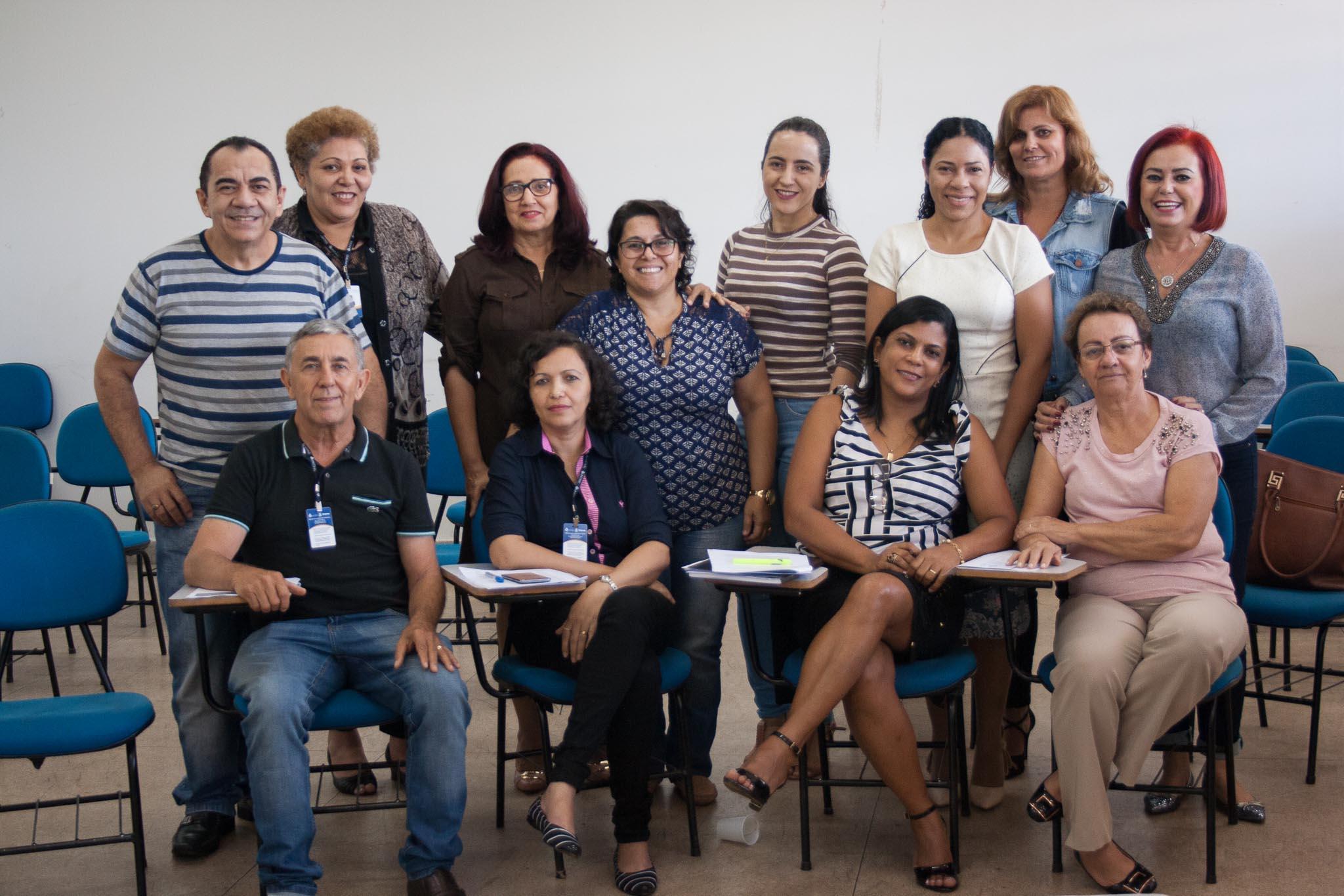 Professora Beth e participantes do encontro de capacitação que contou com assessores pedagógicos