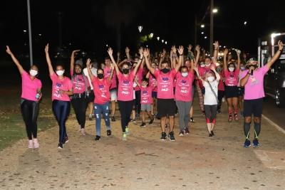 Caminhada na Praça dos Girassóis marca lançamento do programa Unitins em Movimento