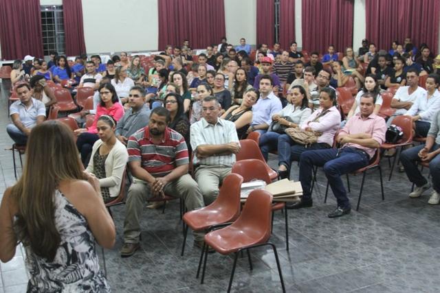 Dezenas de acadêmicos participam da oficina de planejamento