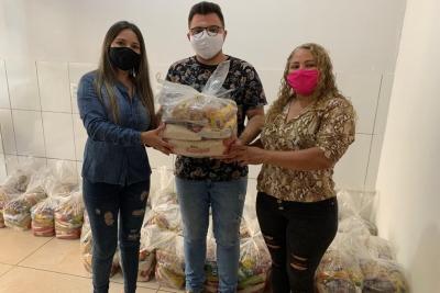 Governo entrega nova remessa de cestas básicas para atender acadêmicos em situação de vulnerabilidade