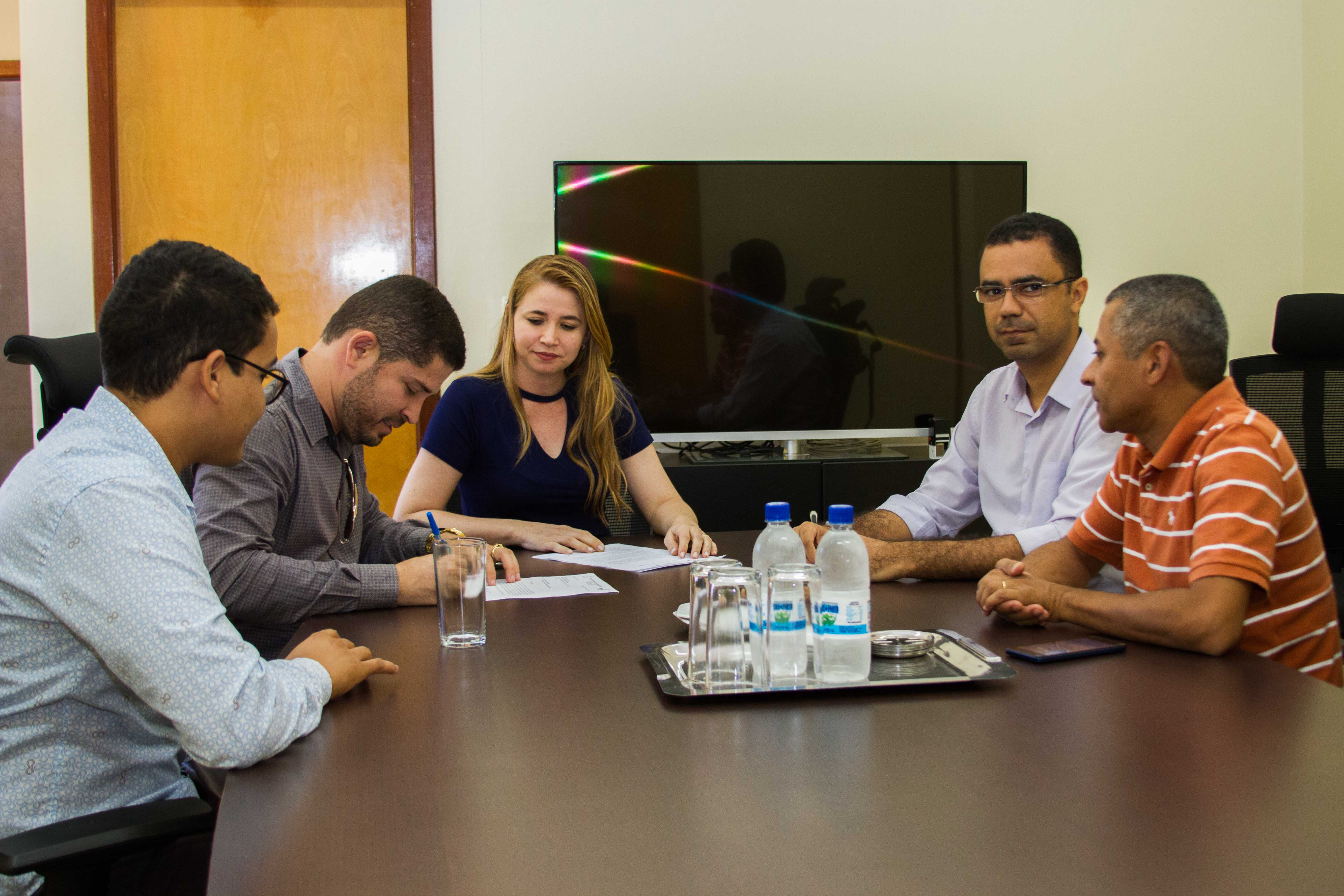 Reunião prevê a diplomação de alunos da extinta Fades.