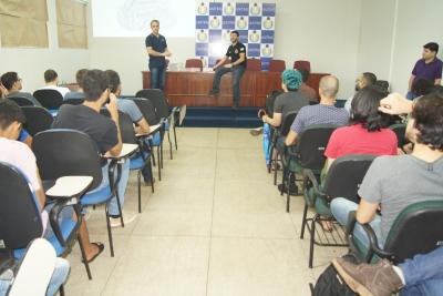 Sistemas de Informação recebe calouros com palestras sobre mercado de trabalho e exposição de projetos de pesquisa