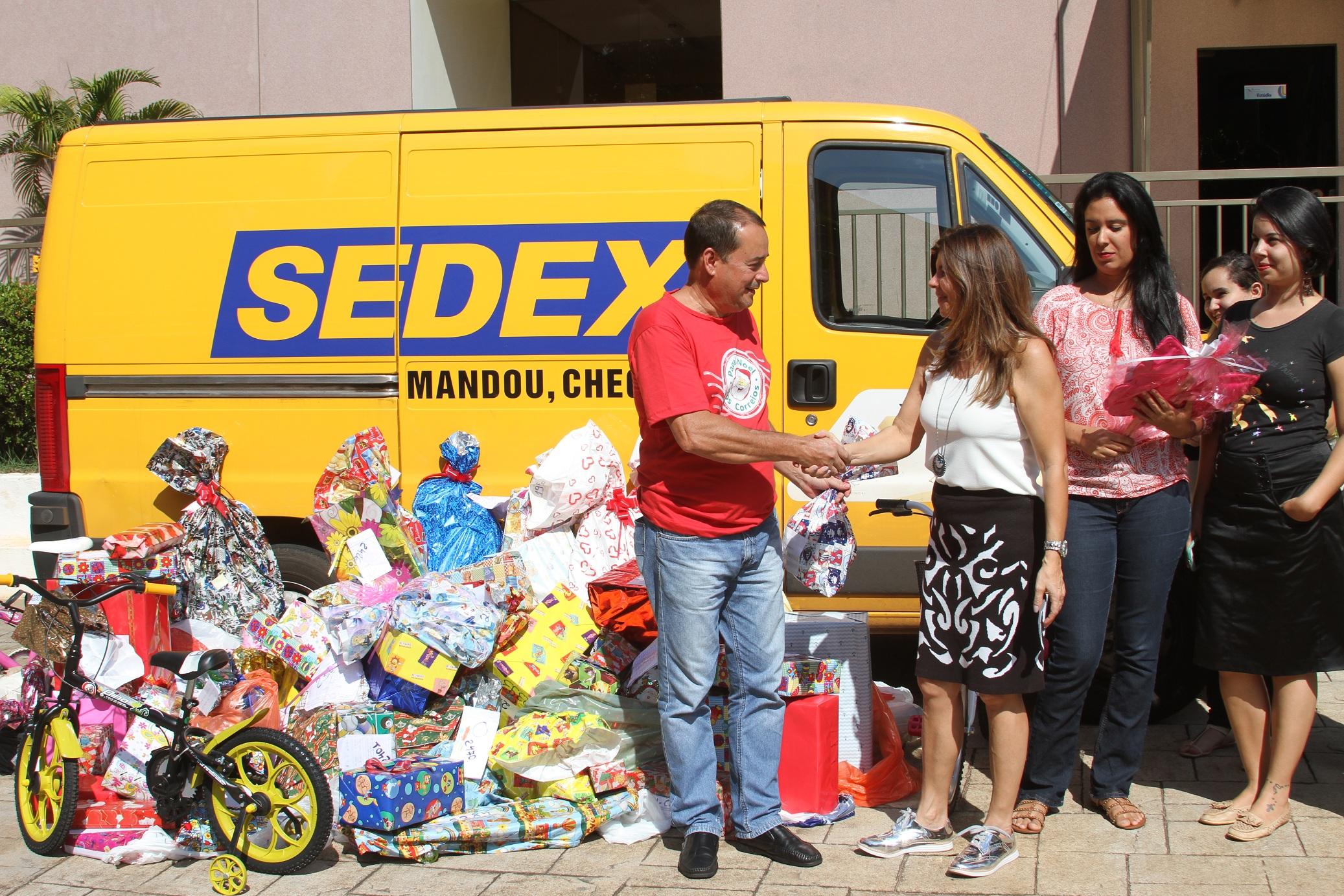 Unitins adotou mais de 160 cartas de crianças da região sul de Palmas este ano.