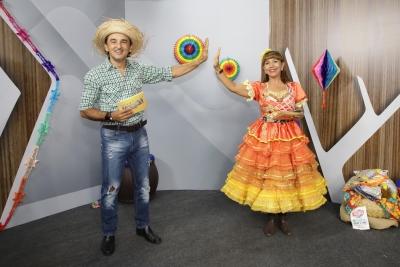 Live do Caipiritins movimenta comunidade acadêmica com brindes, forró do Baião D2, noivos e rainha da junina Cafundó do Brejo