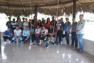 Acadêmicos de Administração realizam visita técnica em fazenda